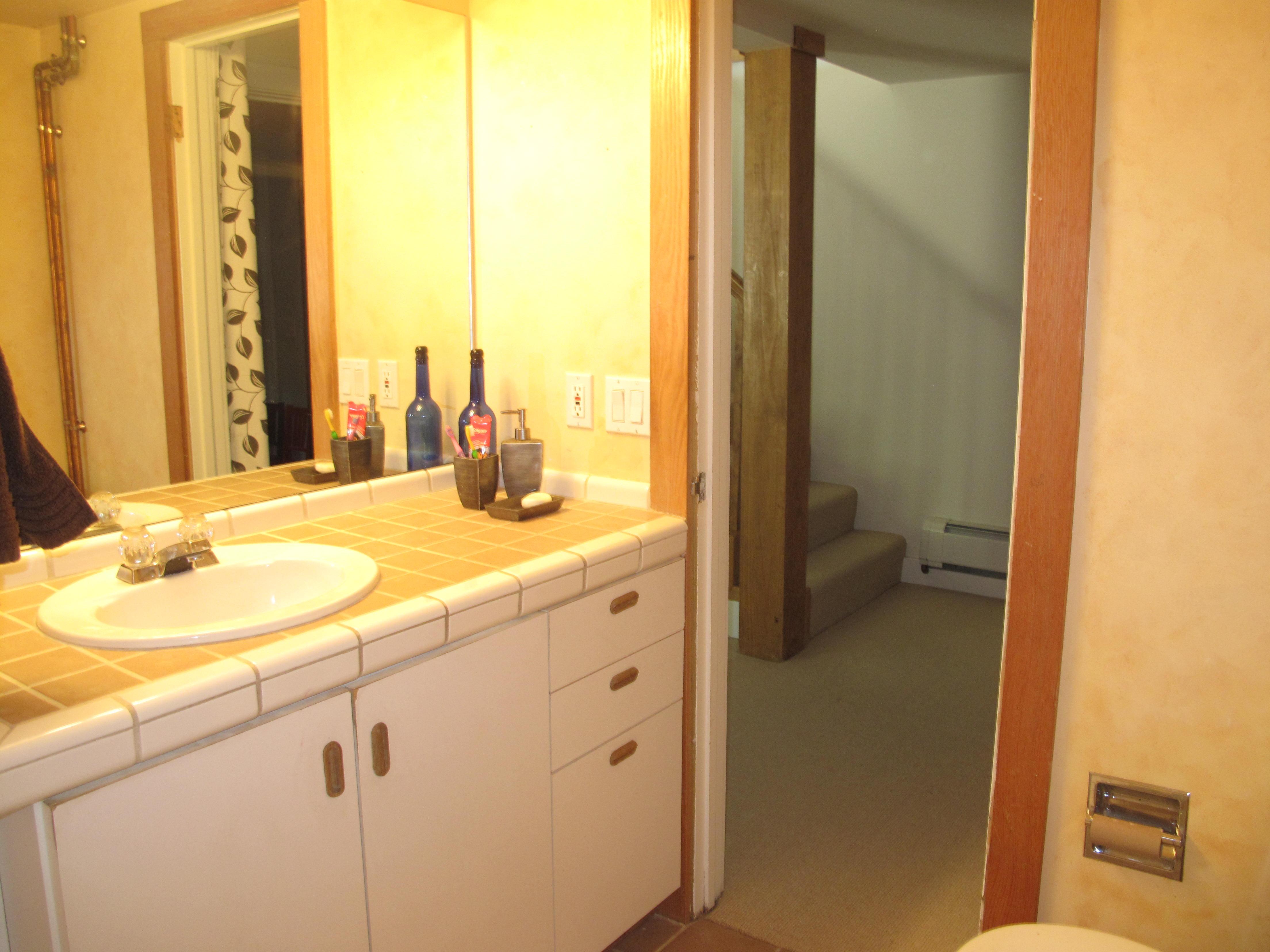 ReDeux Decor | Guest Bathroom Redeux