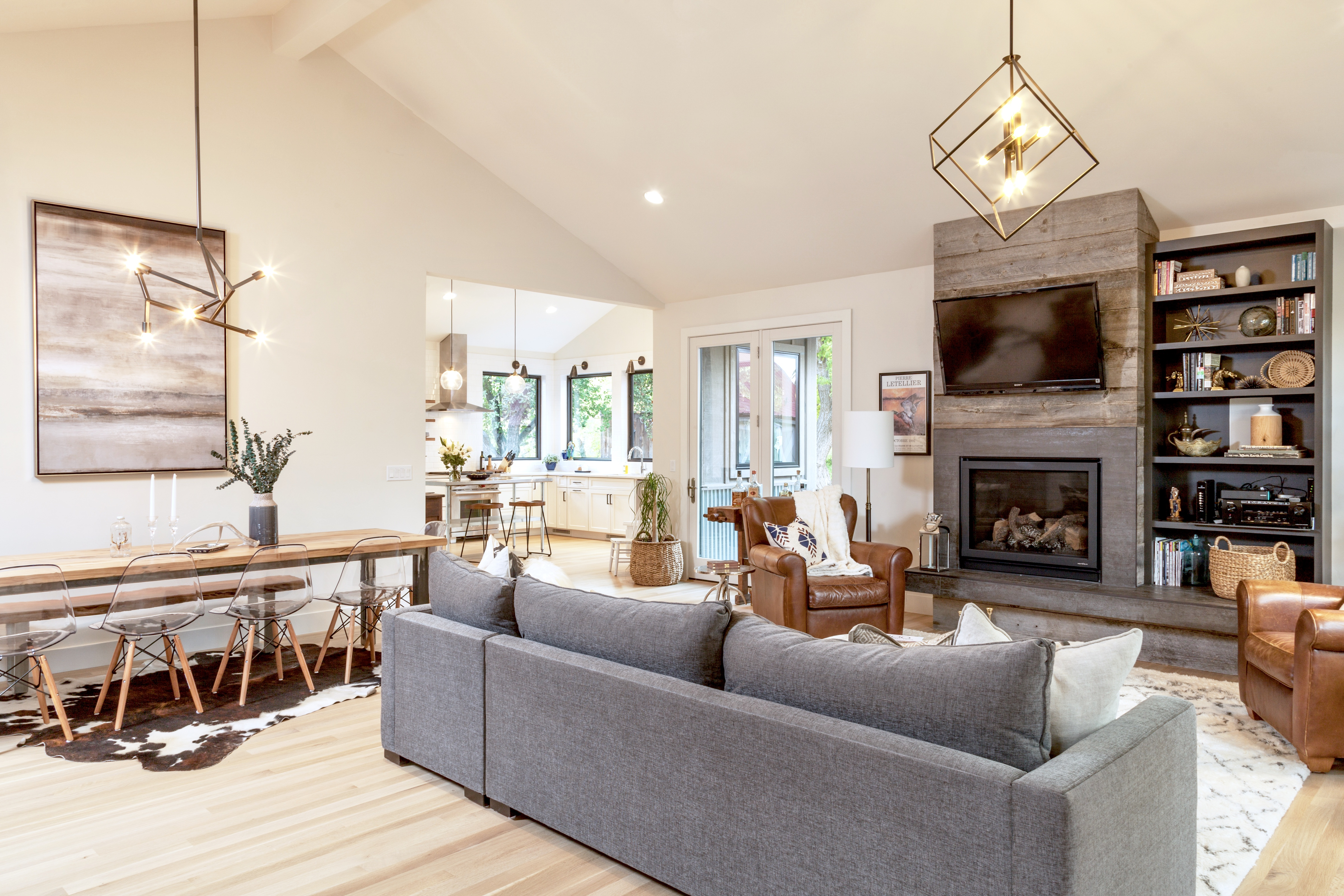 5th Ave New Build Reveal – Great Room
