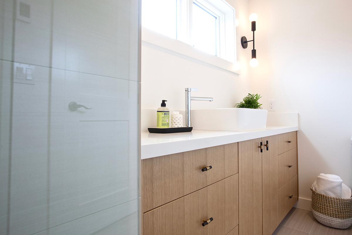 bathroom, vessel sink